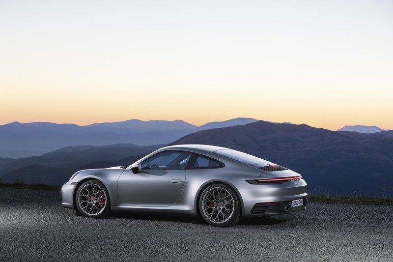 Porsche показала восьмое поколение 911