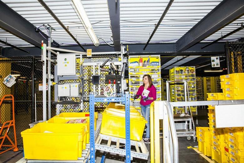 24 работника Amazon госпитализированы из-за ошибки складского робота