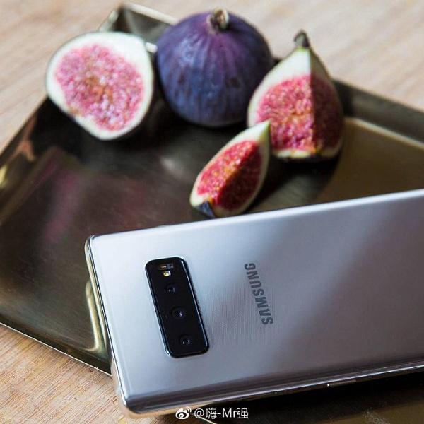 Фото дня: смартфон Samsung Galaxy S10 с тройной основной камерой