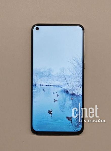 Huawei Nova 4 – первый смартфон производителя с «дырявым» экраном – засветился на качественных изображениях