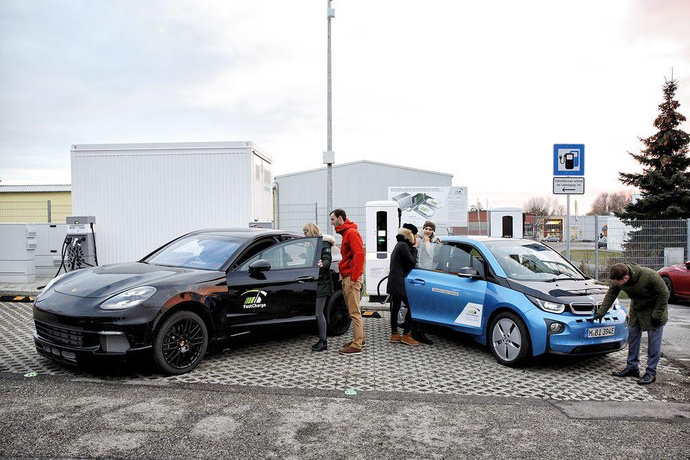 Как тебе такое, Илон Маск: BMW и Porsche разработали зарядку, добавляющую 100 км хода за 3 минуты - 1