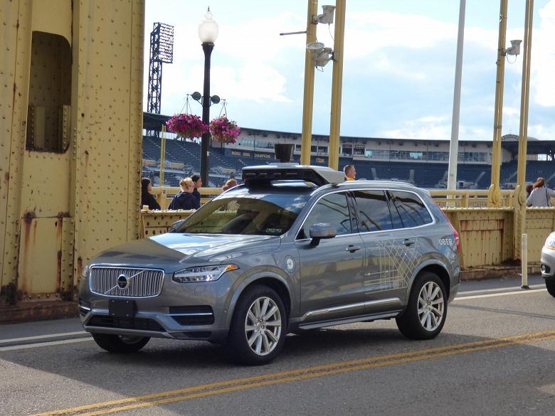 Uber возвращается к испытаниям беспилотных авто после трагического ДТП