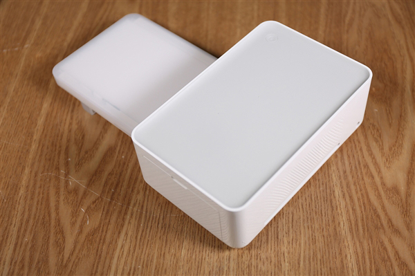 Xiaomi выпустила компактный фотопринтер по цене $72