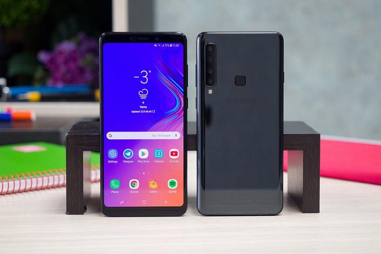 Смартфон Samsung Galaxy A10 может первым в линейке компании получить подэкранный сканер отпечатков пальцев