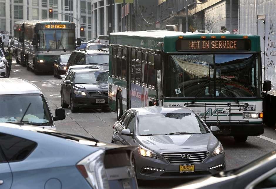 Общественный транспорт Калифорнии за 20 лет должен стать безопасным для окружающей среды - 1