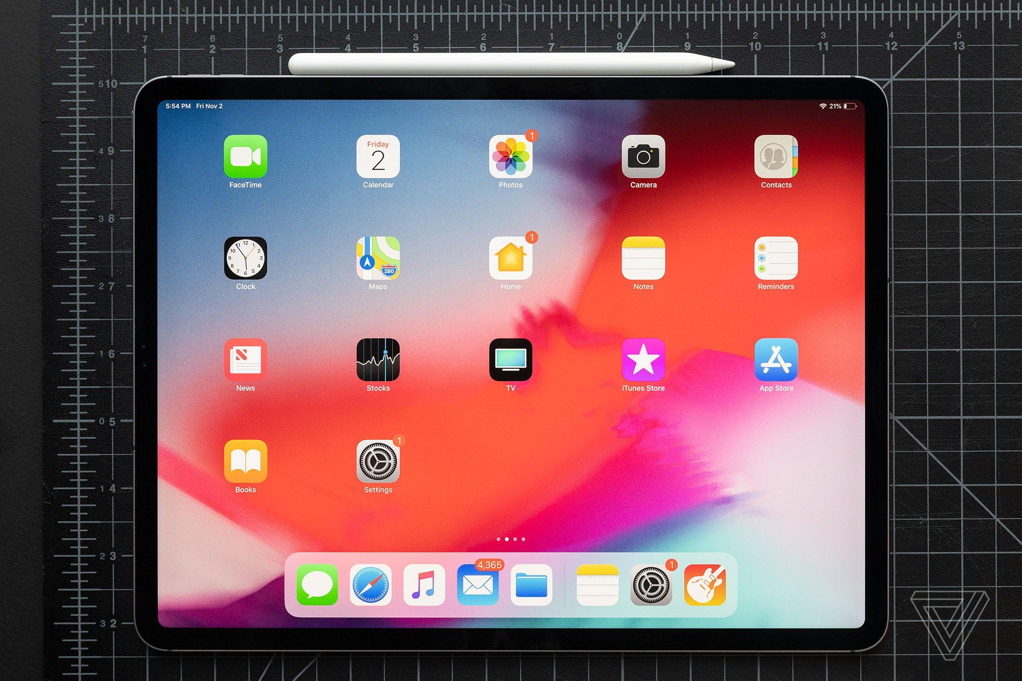 Apple подтверждает, что некоторые iPad Pro поставляются слегка изогнутыми, но говорит, что это нормально - 3