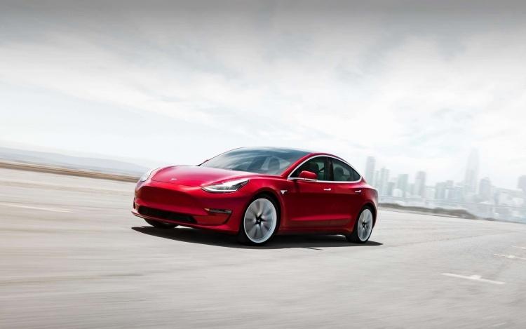 Илон Маск пообещал, что Tesla компенсирует клиентам упущенные налоговые льготы