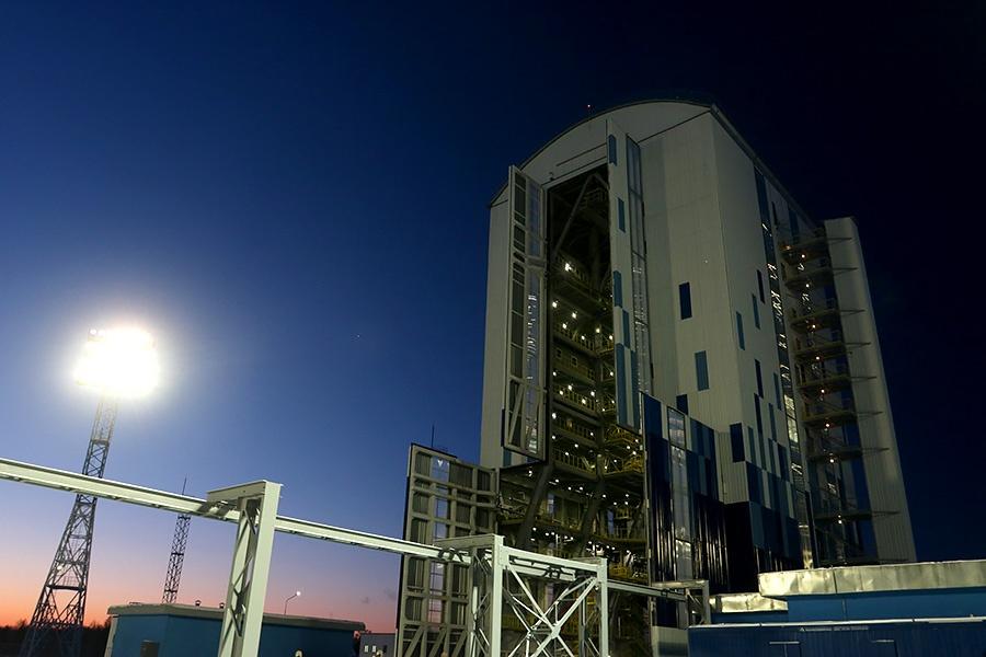 Вывоз ракеты перед стартом на Восточном - 20