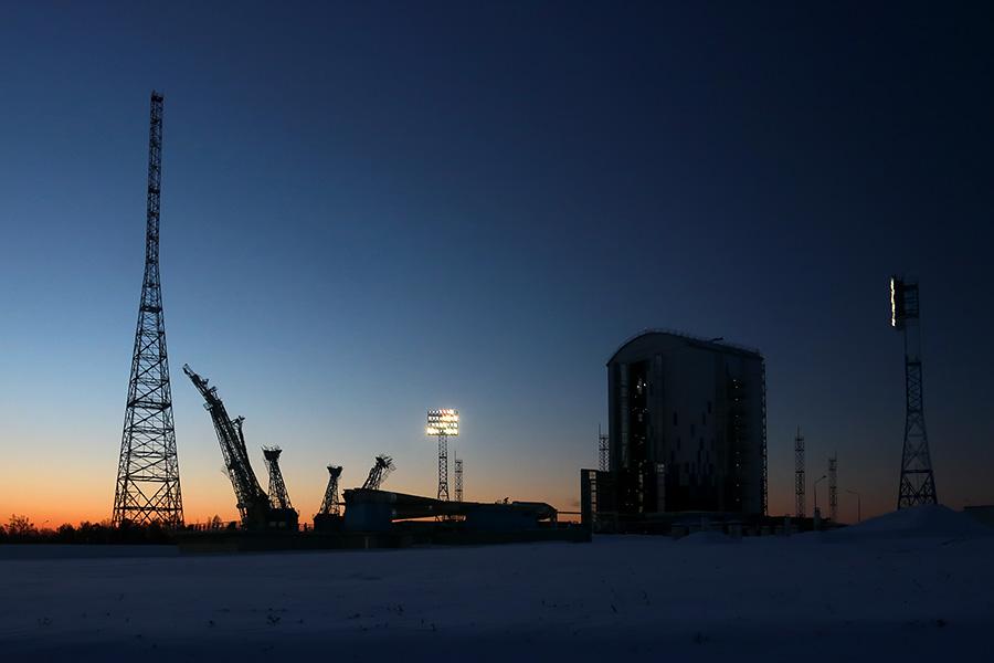 Вывоз ракеты перед стартом на Восточном - 21