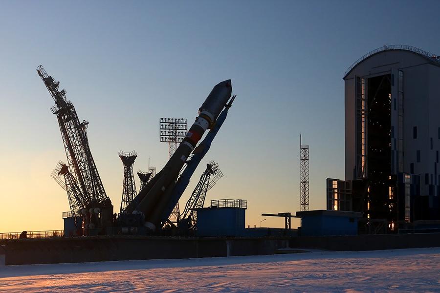 Вывоз ракеты перед стартом на Восточном - 24