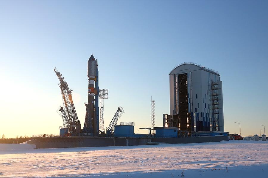 Вывоз ракеты перед стартом на Восточном - 25