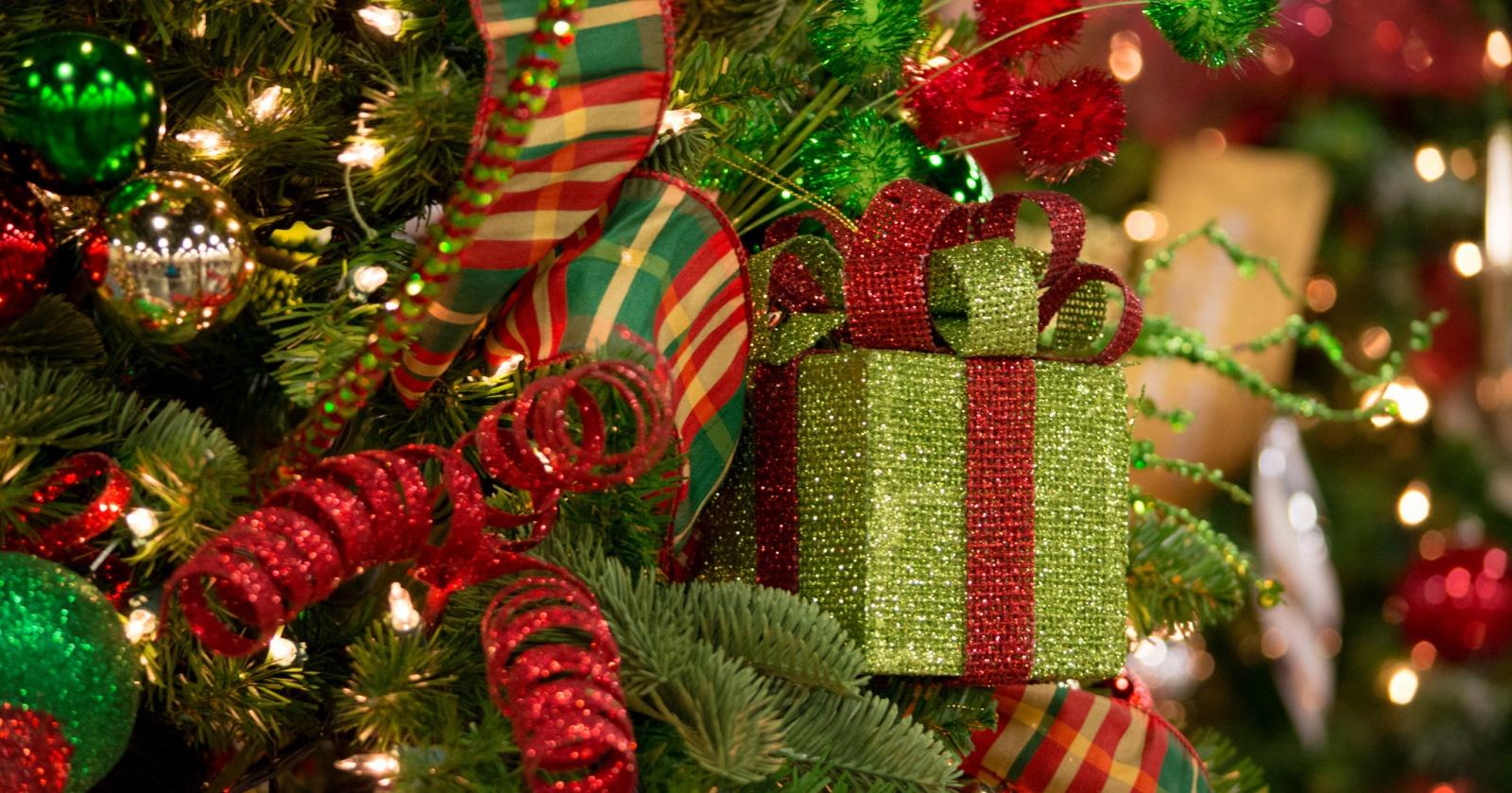 Из новогодней елки можно сделать сладости