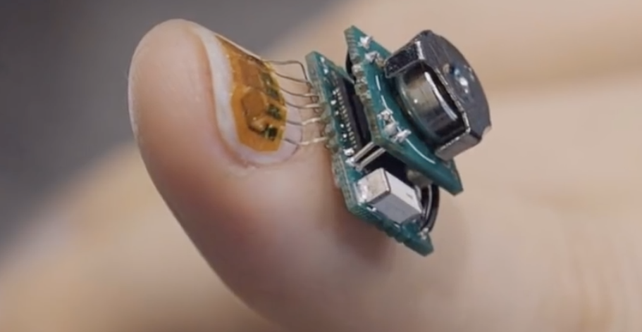 Прототип (бескорпусный) носимого беспроводного ногтевого медицинского датчика от подразделения IBM Research - 1