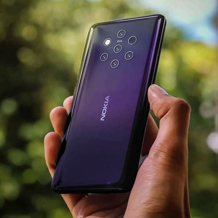 Смартфон Nokia 9 с пятью задними камерами: изображение