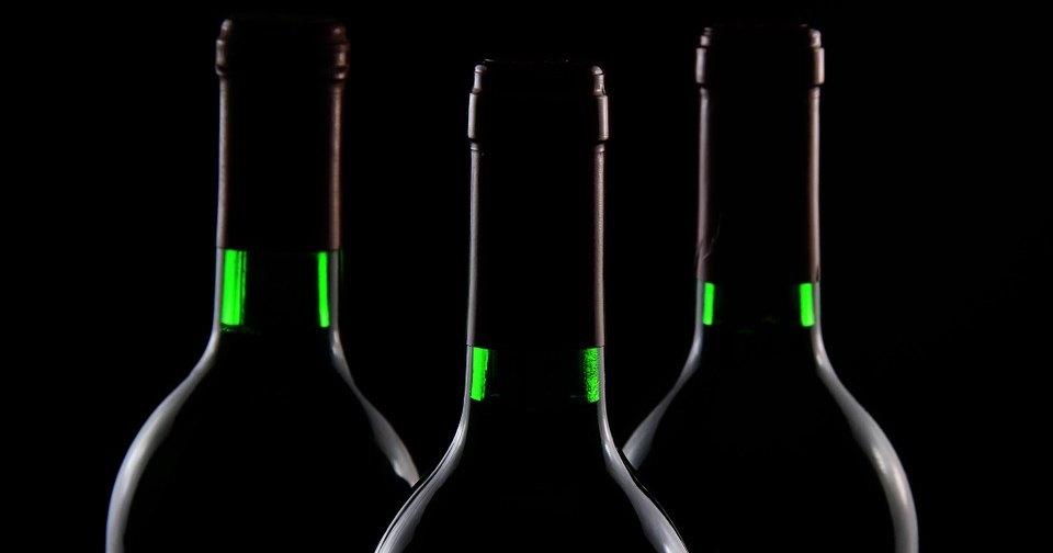 Коварный зеленый змей: что алкоголь делает с организмом