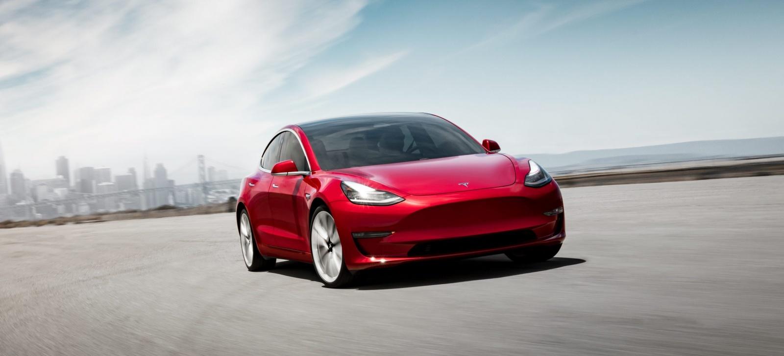 Tesla открыла предзаказы на Model 3 в Европе и Китае - 1