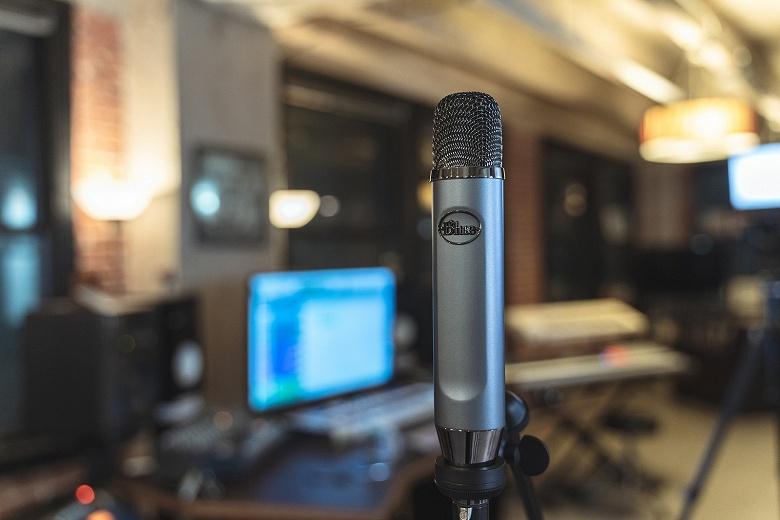 Микрофон Blue Ember с интерфейсом XLR предназначен для профессиональной записи и вещания