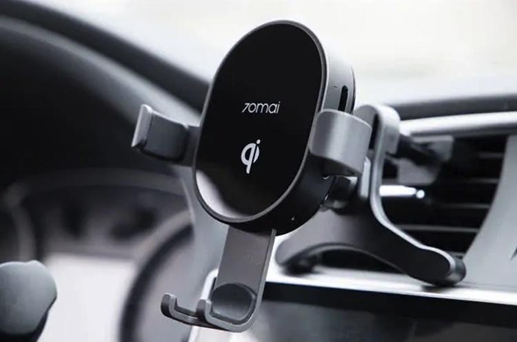Xiaomi 70Mai Car Wireless Charger: гибрид держателя для смартфона и беспроводной зарядки