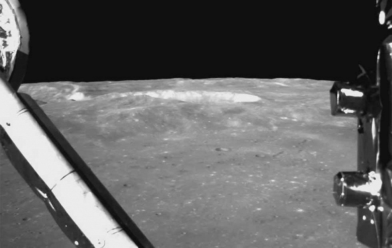 Видео дня: первая в истории посадка космического аппарата на обратную сторону Луны