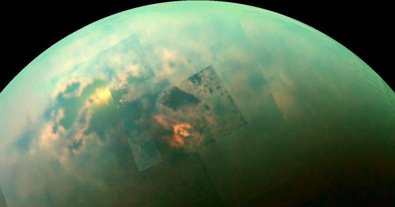 На Титане обнаружено огромное блестящее пятно: инопланетное лето