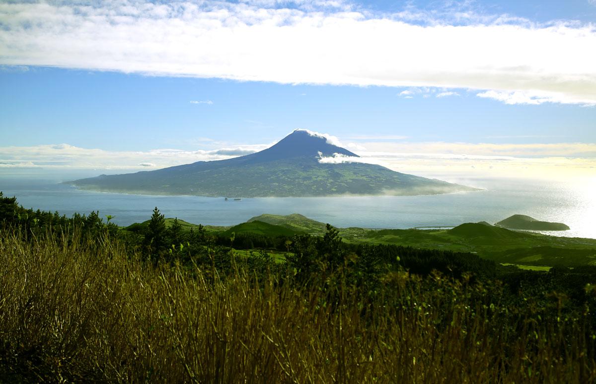 Остров Пику: как из базальтового ада сделали уютный Туссент - 1