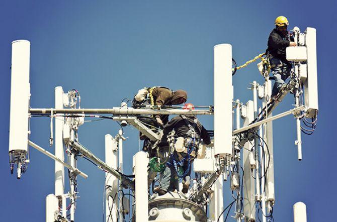 Huawei: наша базовая станция 5G весит 20 кг, ее может установить один человек