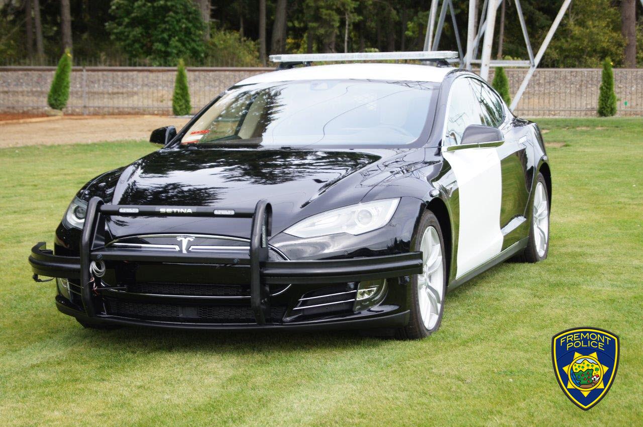 Б-у Tesla Model S 85 на службе департамента полиции города Фримонт, штат Калифорния, США (там, где завод Tesla) - 1