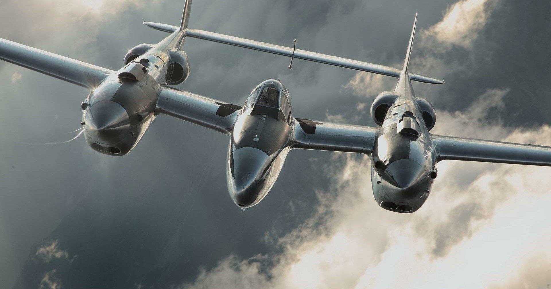Как летает P-38 Lightning