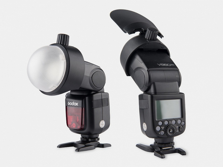Переходник Godox SR-1 позволяет использовать круглые модификаторы и светофильтры с обычными внешними вспышками