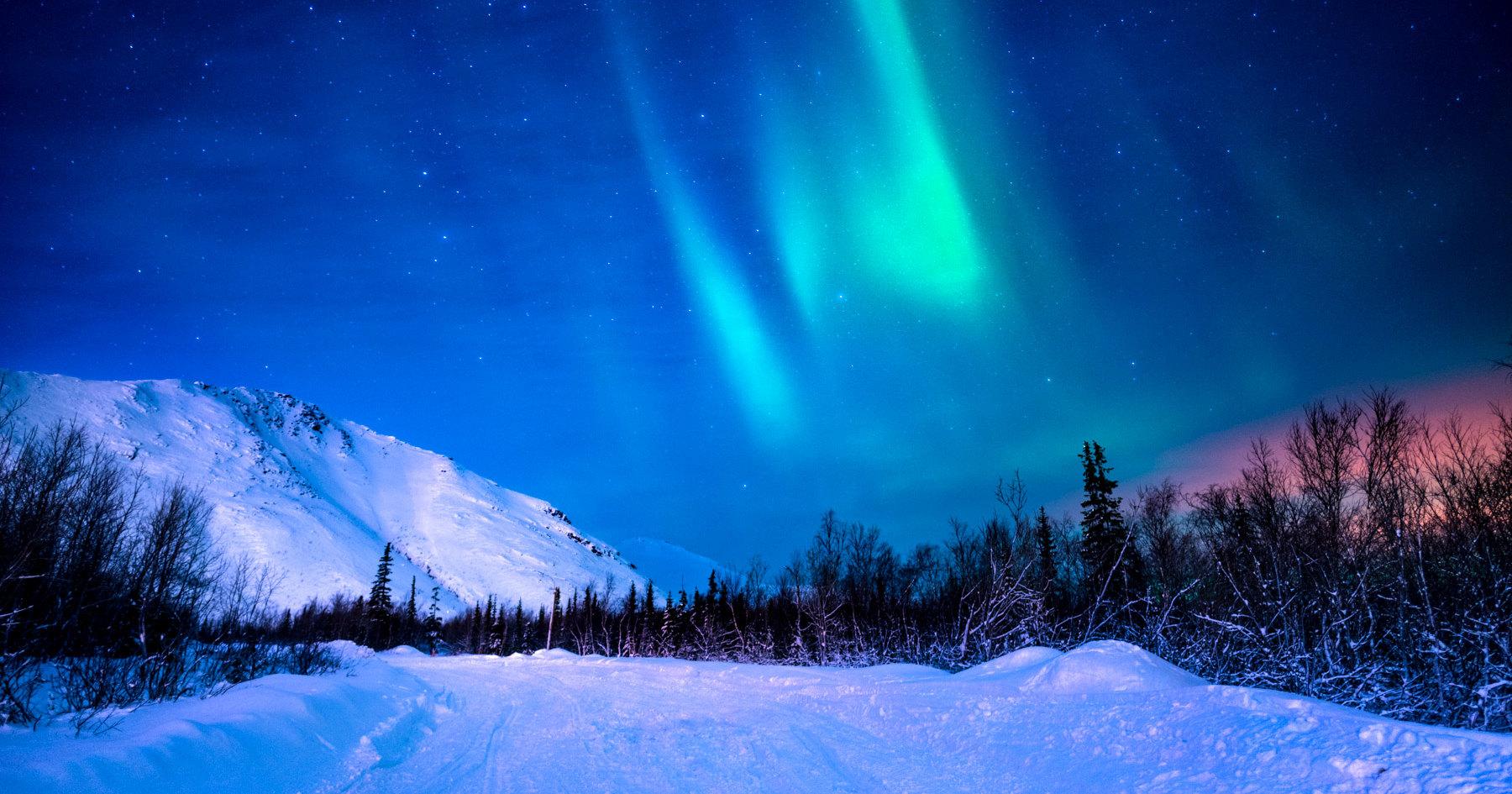 Почему северное сияние не похоже на южное