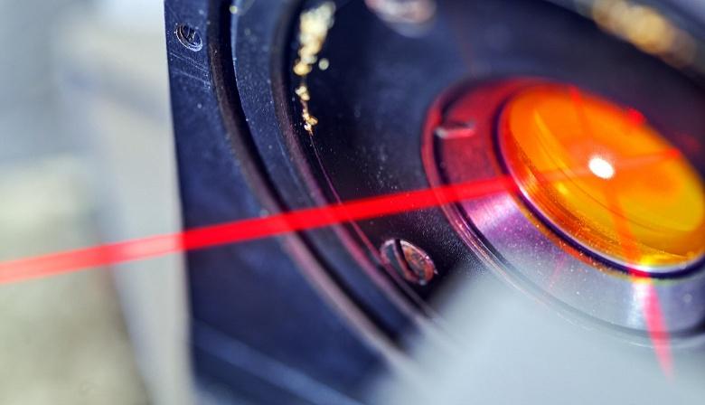 Специалисты MIT разрабатывают технологию прямой передачи звуковых сообщений конкретному адресату с помощью лазера
