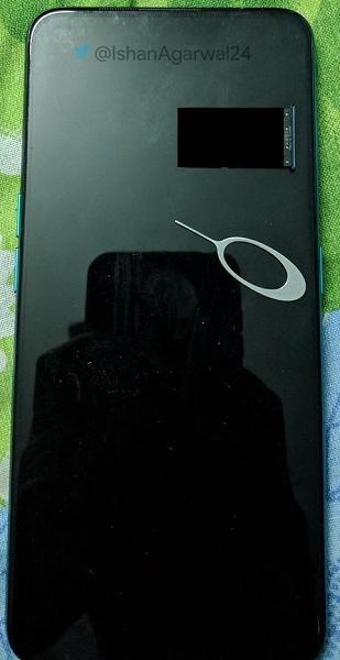 Опубликованы живые фото нового смартфона Oppo с выдвижной камерой