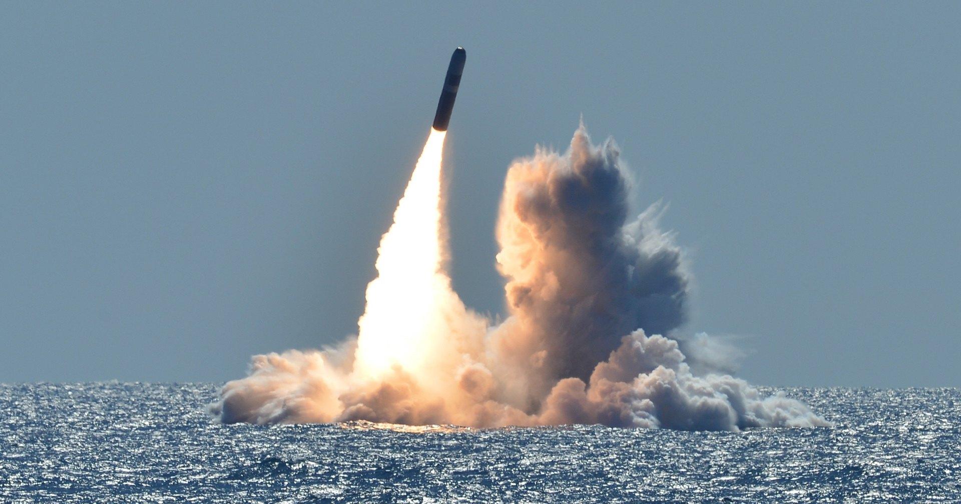США начали выпуск маломощных ядерных ракет