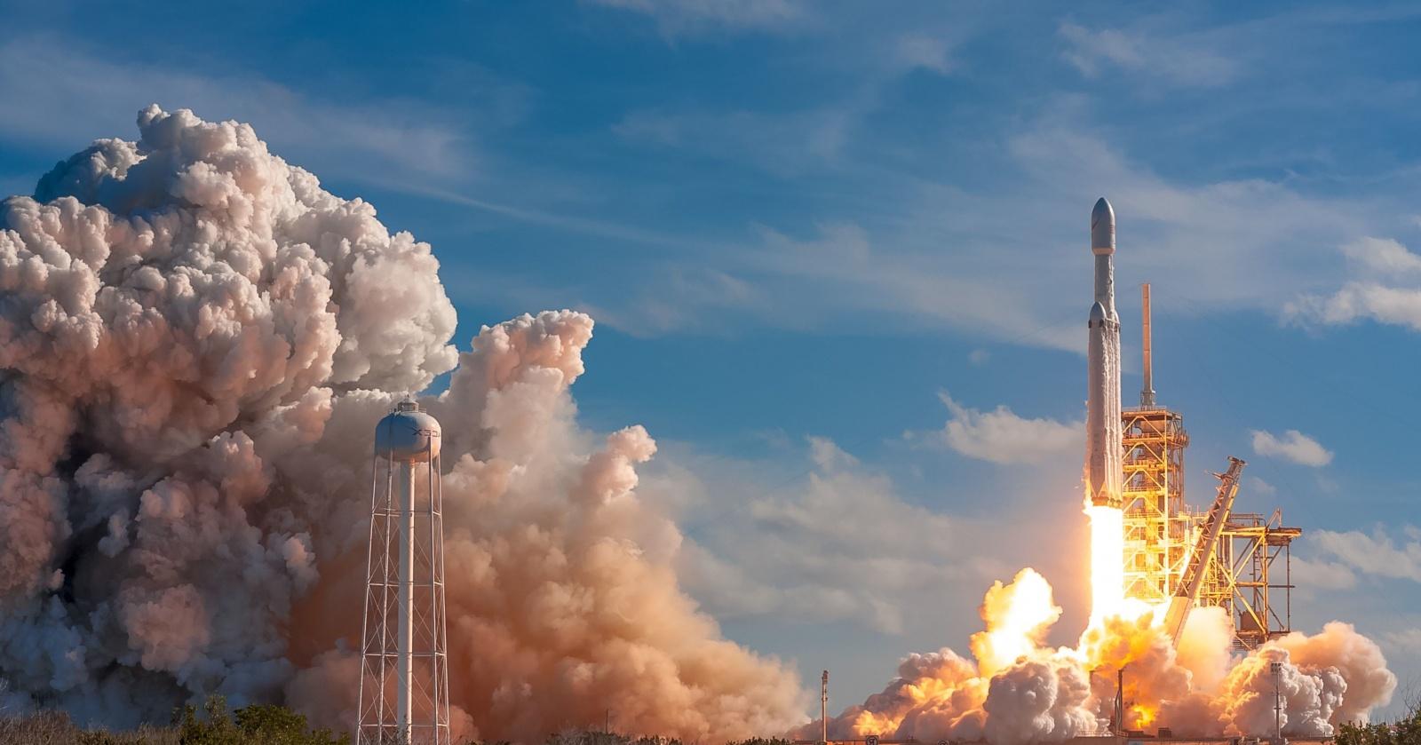 Что происходит внутри ракеты в космосе: видео