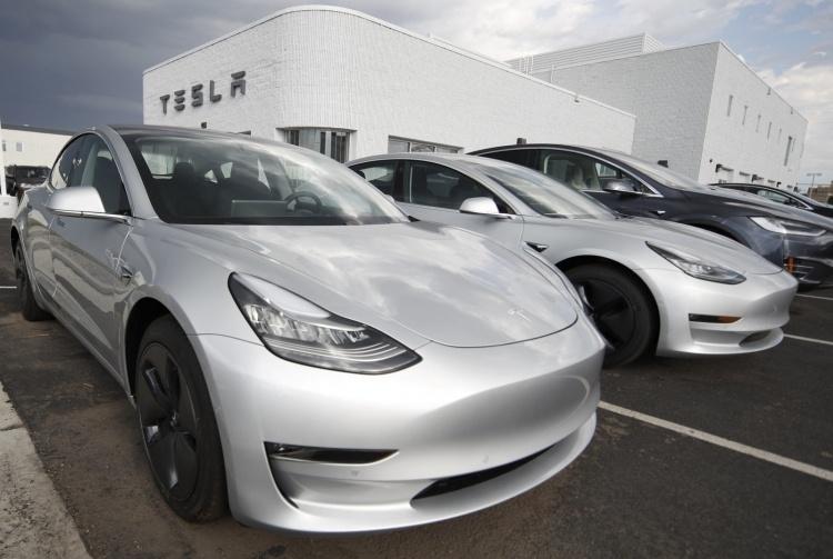 Илон Маск объявляет все патенты Tesla открытыми