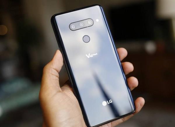 LG не планирует закрывать мобильное подразделение, несмотря на убытки в течение 15 кварталов подряд