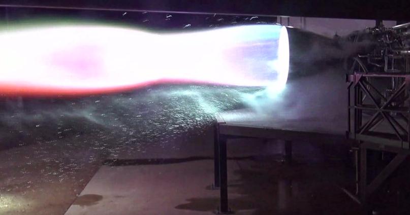 SpaceX испытала двигатель ракеты, которая отвезет людей на Марс: видео