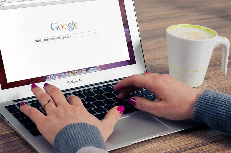 Google начал массово удалять запрещённые в России сайты из поиска