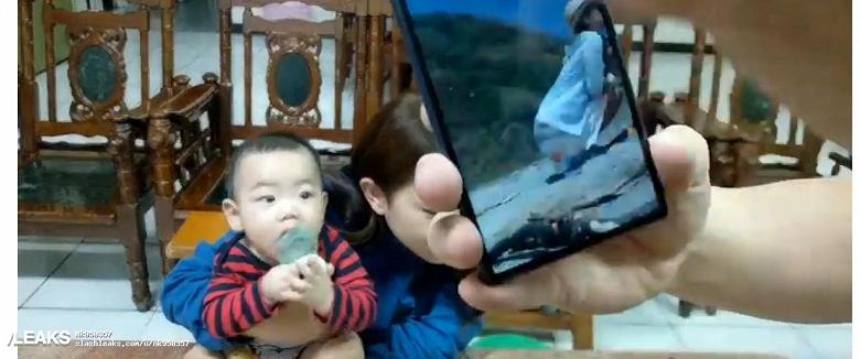 Видео дня: смартфон Sony Xperia XA3 с экраном 21:9 впервые замечен в руках пользователя