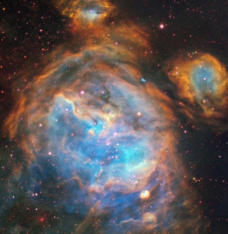Фото дня: пузыри вокруг новорождённых звёзд