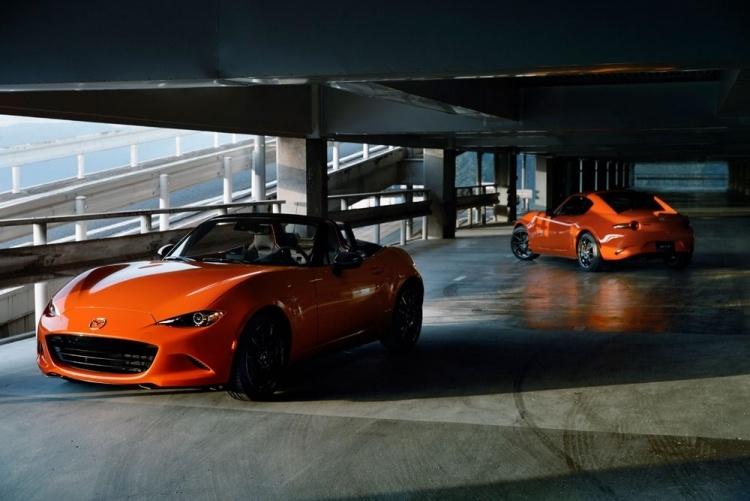 Юбилейная версия родстера Mazda MX-5 Miata 30th Anniversary в США разошлась за считанные часы
