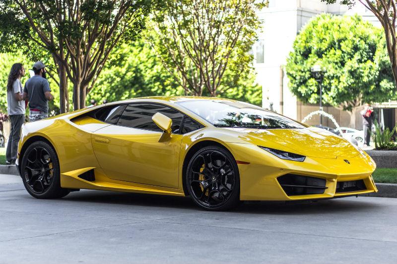 Немного Ferrari: Финтех-стартап Rally Rd позволит покупать «акции» редких автомобилей - 1