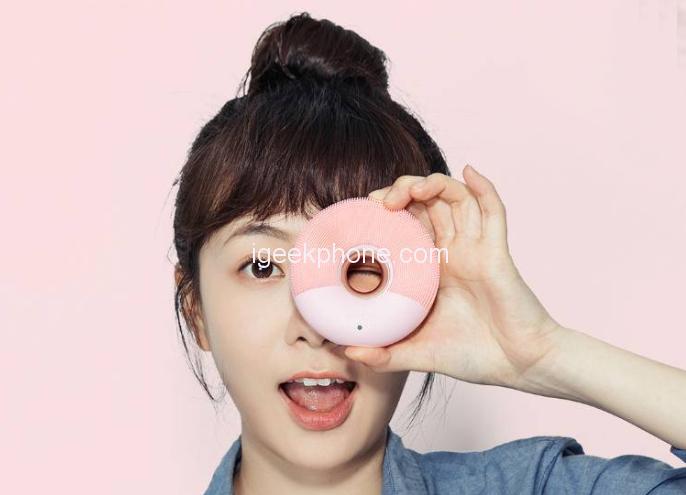Xiaomi представила «пончик» для чистки и массажа лица Xiaomi Doco Sonic за $29
