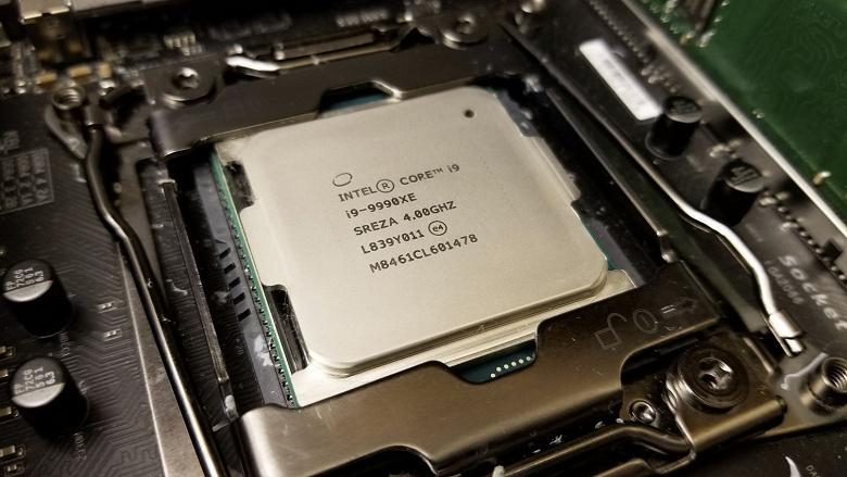 Купленный на аукционе 14-ядерный процессор Intel Core i9-9990XE обошелся на $900 дороже ближайшей 14-ядерной модели Core i9-9940X