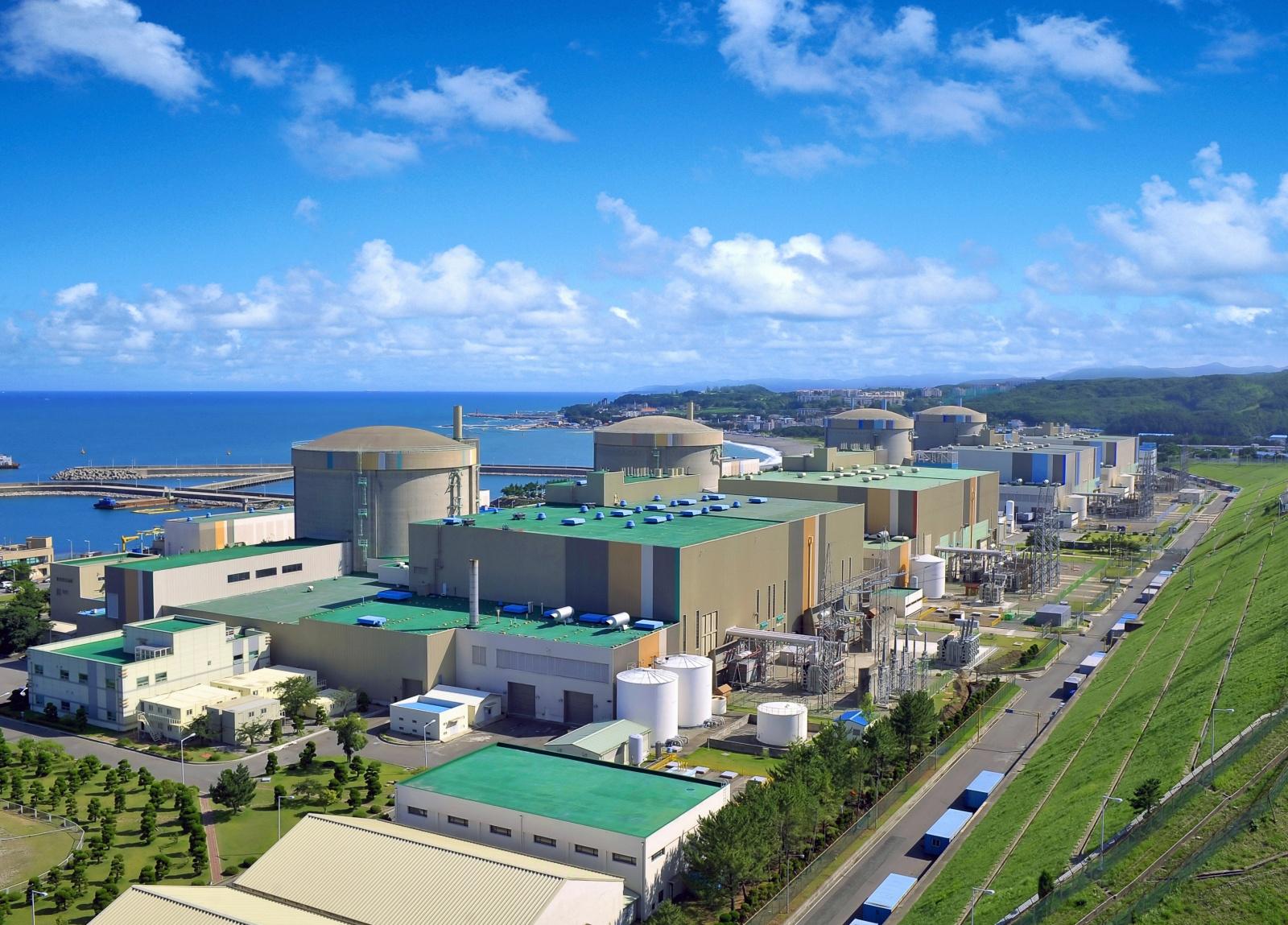 Южная Корея откажется от электрокаров и строительства новых АЭС - 2