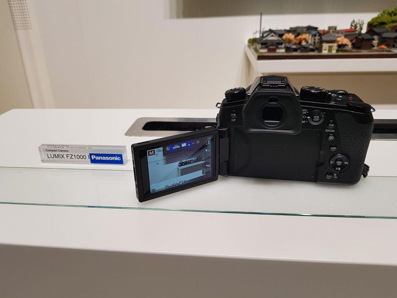 Не прошло и пять лет: на смену выпущенной в 2014 году камере Panasonic Lumix DMC-FZ1000 пришла модель Lumix DMC-FZ1000 II