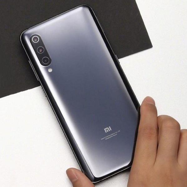 От $600 за базовую версию и доставка в конце марта: в Китае уже можно заказать Xiaomi Mi 9