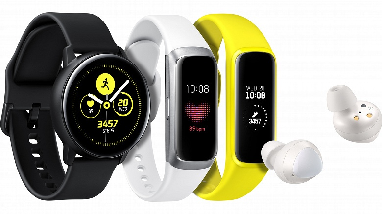 Samsung представила фитнес-браслеты Galaxy Fit и Galaxy Fit e