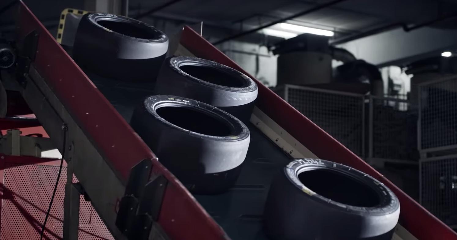 Из шин спортпрототипа Porsche 919 Hybrid сделали виниловые пластинки