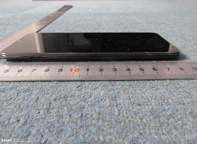 Смартфон ZTE Blade V10 со всех сторон показан на первых живых фото